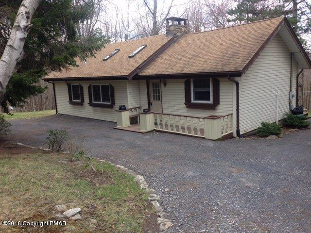 1133 Gap View Dr, Scotrun, PA 18355