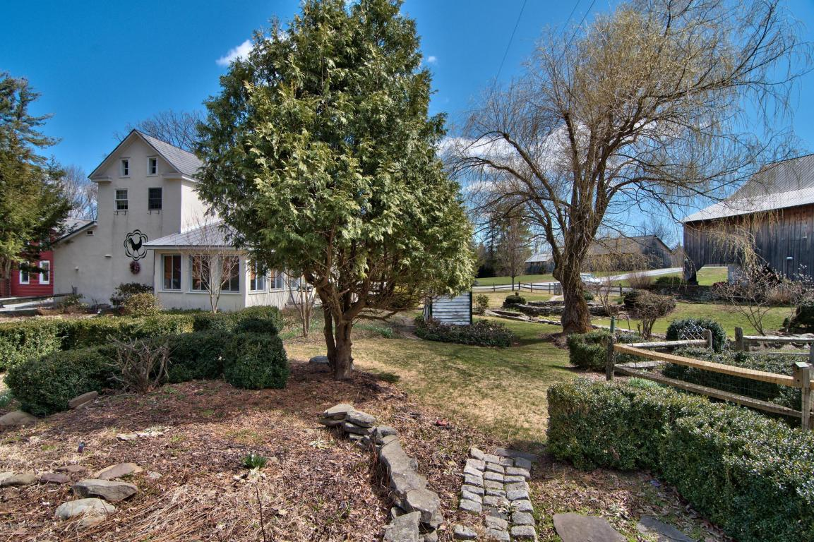 259 Hay Rd, Stroudsburg, PA 18360