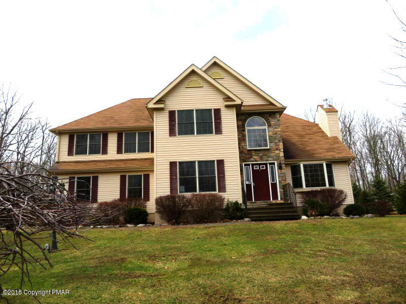 9 Eastridge Ln, East Stroudsburg, PA 18302