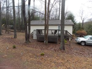 8 Vacation Dr, White Haven, PA 18661
