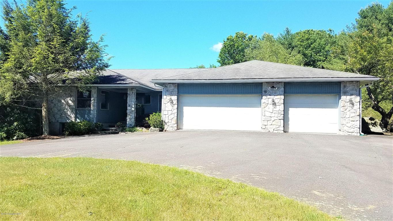 2595 Route 390 (skytop Road), Canadensis, PA 18325