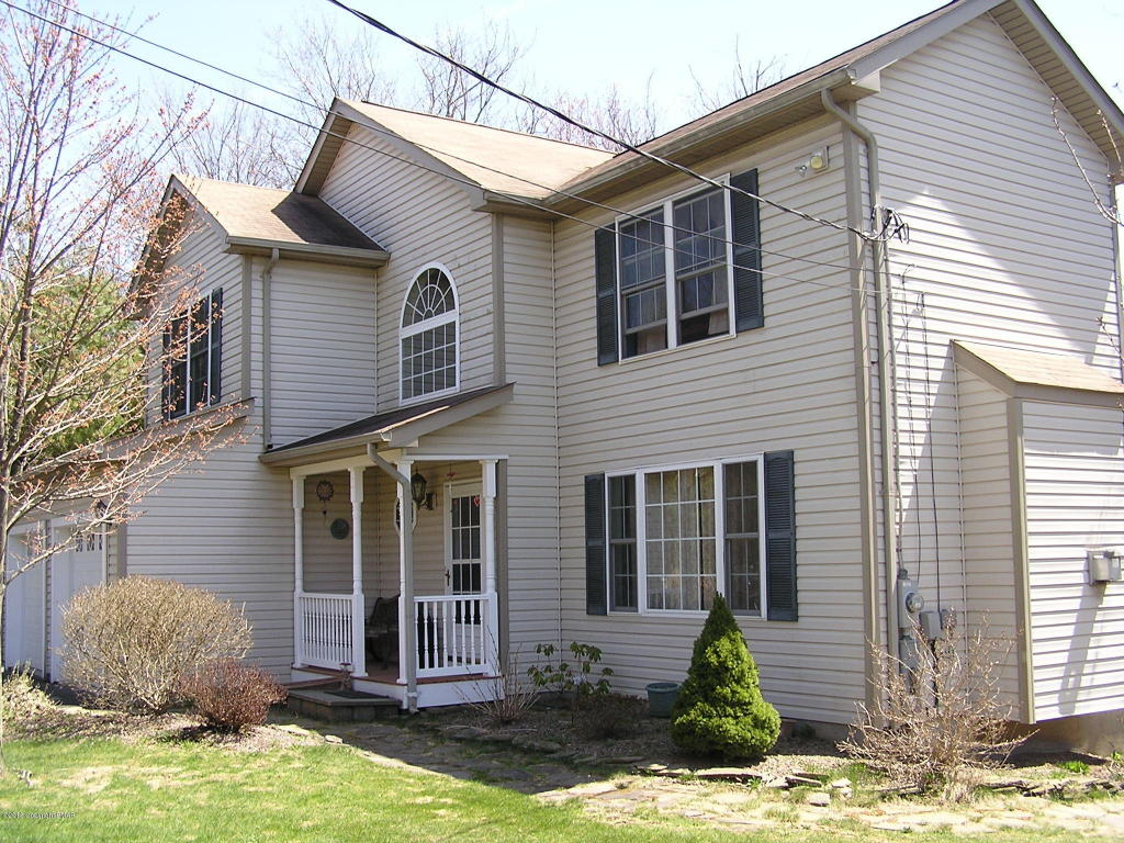 830 Sullivan Trail, Scotrun, PA 18355
