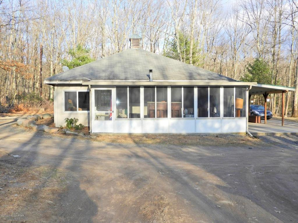 5574 Birch Road, Canadensis, PA 18325