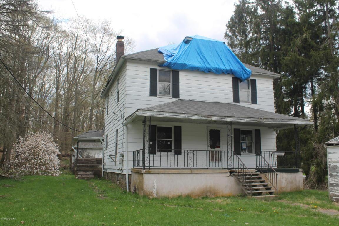 24 3rd St, Gouldsboro, PA 18424