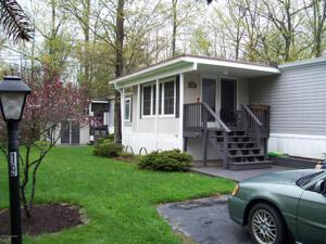 19 Valley Gorge Mobile Home Park, White Haven, PA 18661