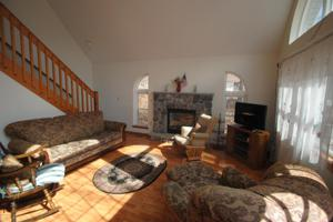 221 Wyomissing Dr, Pocono Lake, PA 18347