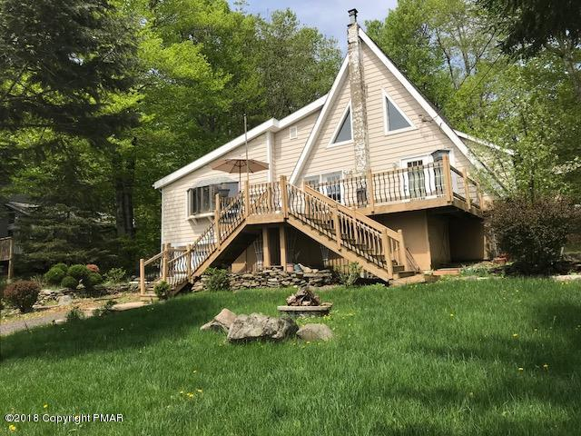 2558 Waterfront Dr, Tobyhanna, PA 18466