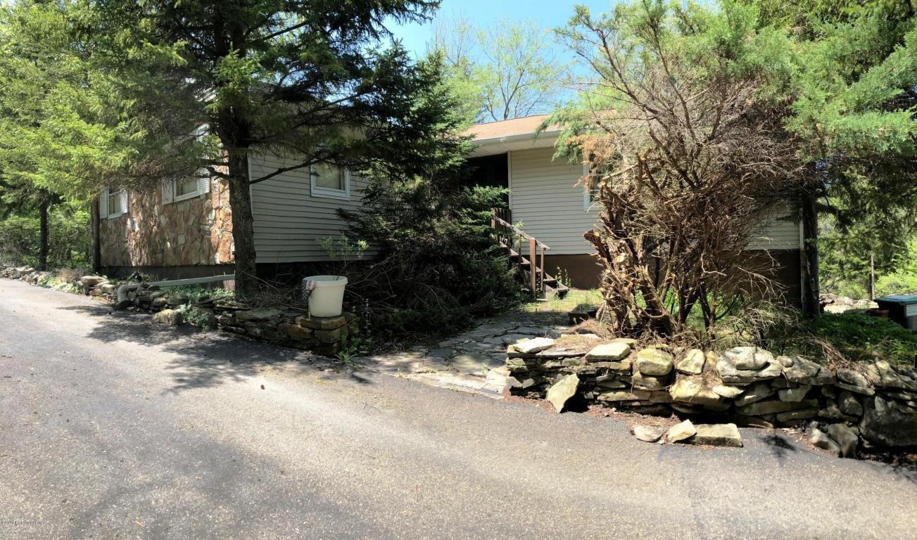 3157 Laurel View Ln, Tobyhanna, PA 18466