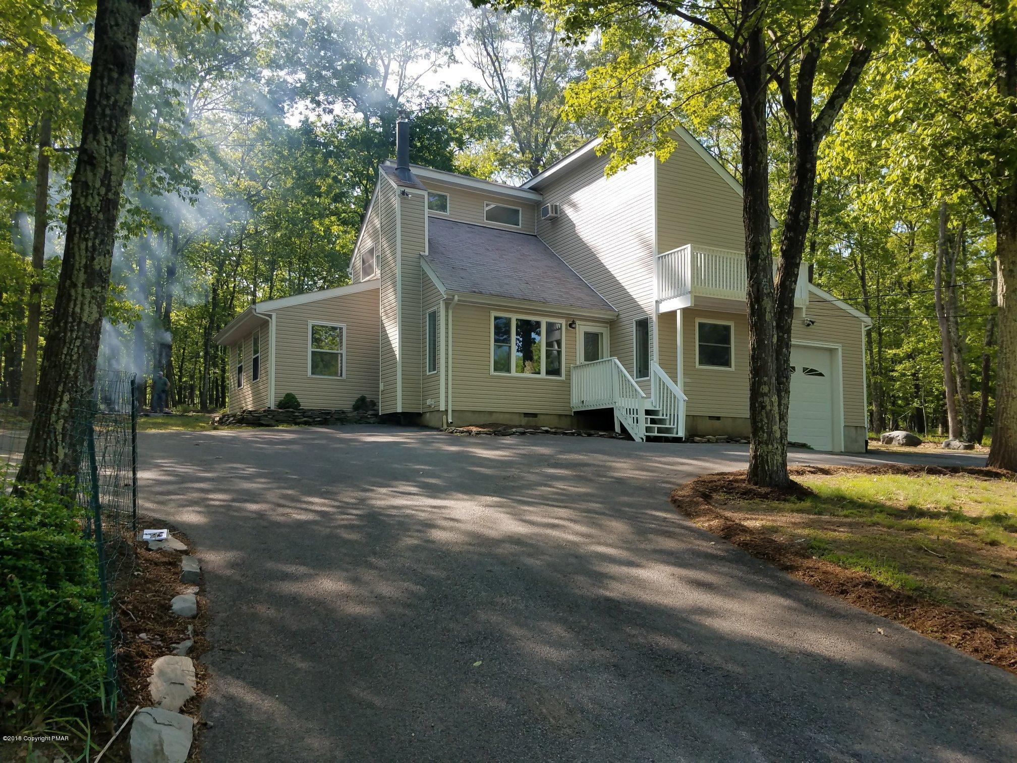 4333 Pine Ridge Dr, Bushkill, PA 18324