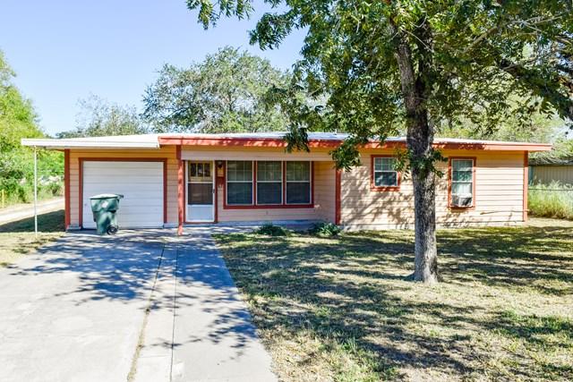 1602 Pena St, Alice, TX 78332
