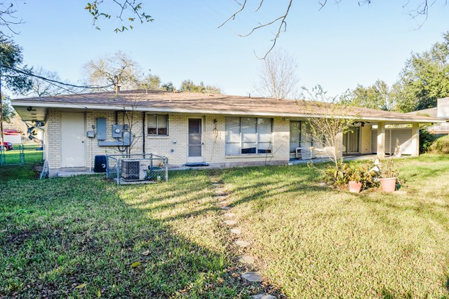 1308 Northwood St, Alice, TX 78332
