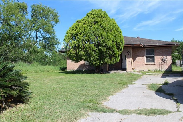 604 Second, Gregory, TX 78359