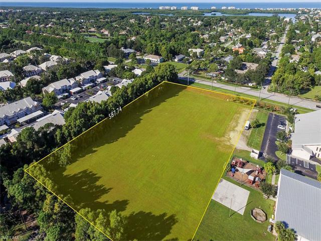 16420 Vanderbilt Dr, Bonita Springs, FL 34134