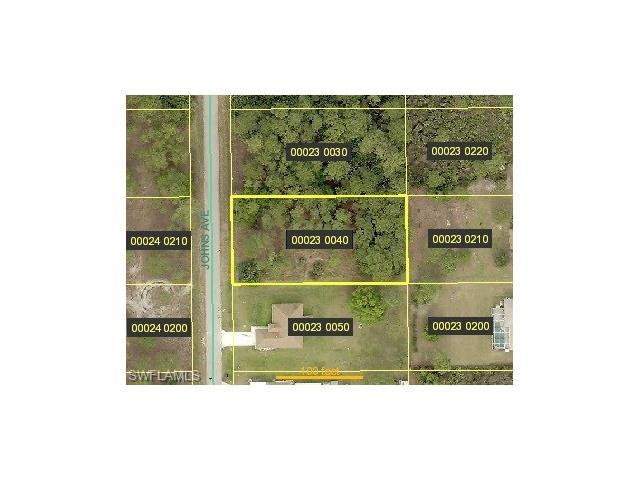 916 Johns Ave, Lehigh Acres, FL 33972
