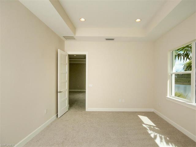 6406 Warwick Ave, Naples, FL 34113