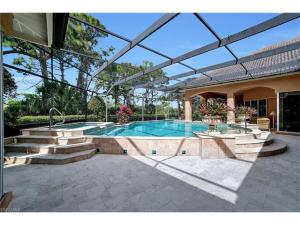 25086 Ridge Oak Dr, Bonita Springs, FL 34134