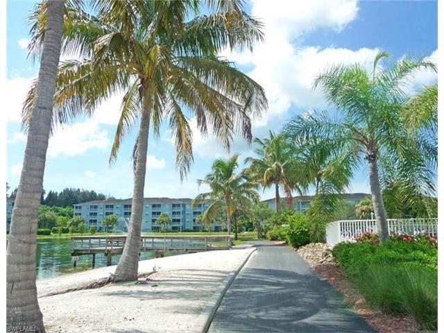 16655 Lake Circle Dr 821, Fort Myers, FL 33908