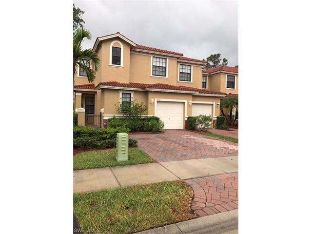 7422 Bristol Cir, Naples, FL 34120