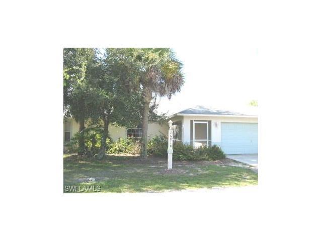 26818 Robinhood Ln, Bonita Springs, FL 34135