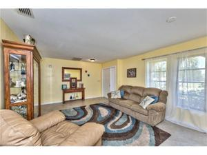 1222 36th St, Cape Coral, FL 33914