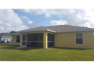 365 Claridge Cir, Lehigh Acres, FL 33974