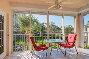 657 Wiggins Lake Dr 202, Naples, FL 34110