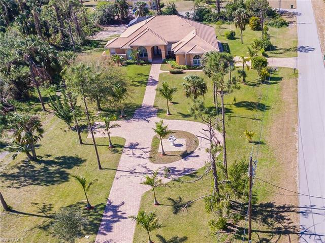 90 22nd Ave Nw, Naples, FL 34120