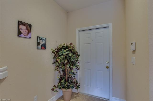 1366 Weeping Willow Ct, Cape Coral, FL 33909
