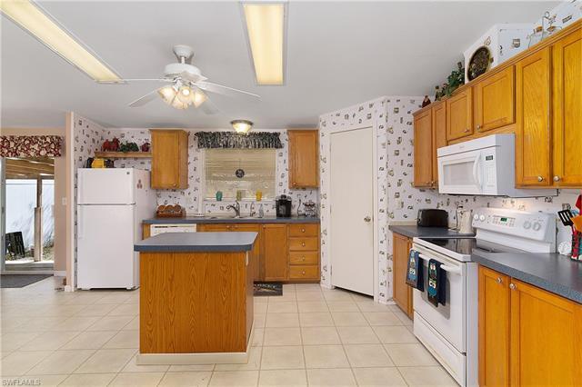 15600 Mallard Ln, Fort Myers, FL 33913