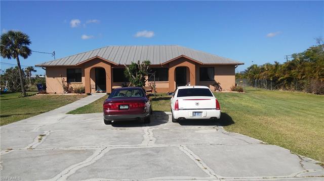 17370/372 Carnegie Cir, Fort Myers, FL 33967