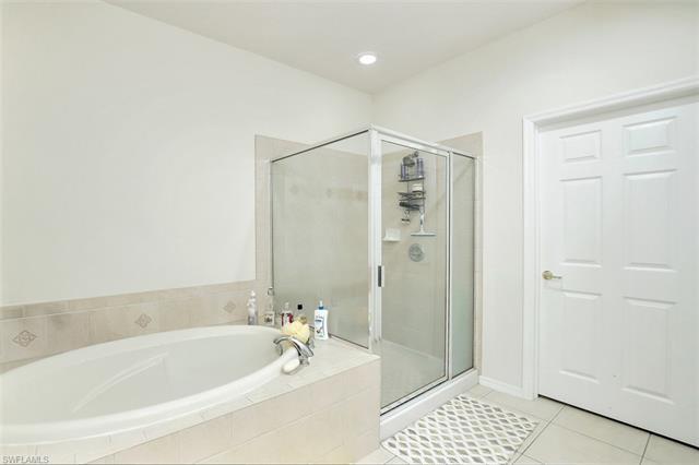 9621 Spanish Moss Way 3834, Bonita Springs, FL 34135