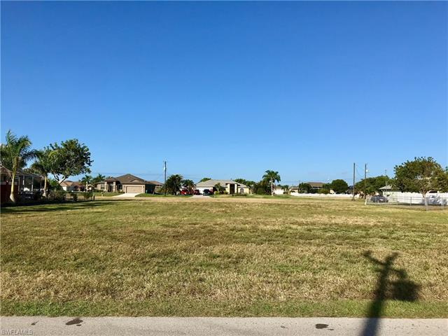 2606 22nd Pl, Cape Coral, FL 33914