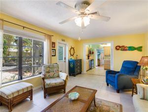 285 Jefferson St, Fort Myers Beach, FL 33931