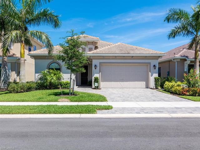 1541 Serrano Cir, Naples, FL 34105