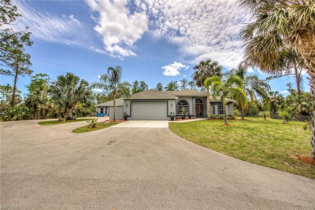 130 18th Ave Nw, Naples, FL 34120