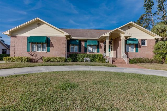 16851 Fox Den, Fort Myers, FL 33908