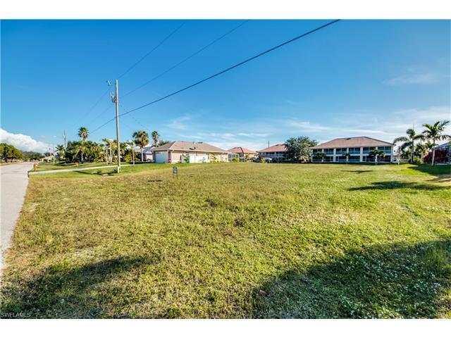 906 Sw 47 St, Cape Coral, FL 33914