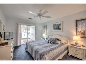 805 San Carlos Dr, Fort Myers Beach, FL 33931