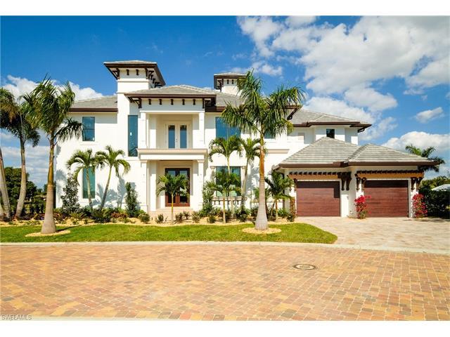 14221 Bay Dr, Fort Myers, FL 33919