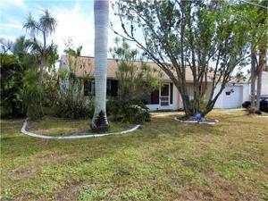 313 Ne 11th Pl, Cape Coral, FL 33909