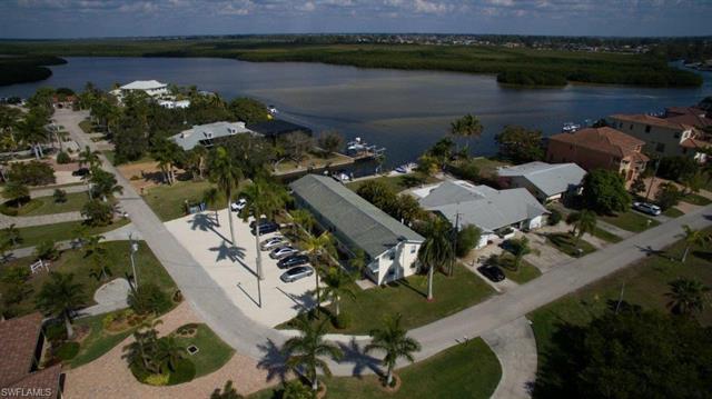 12230 Shoreview Dr, Matlacha, FL 33993