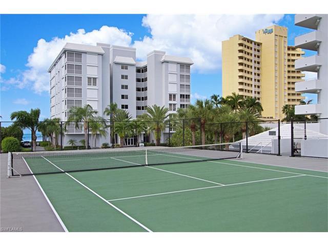 9811 Gulf Shore Dr 103, Naples, FL 34108