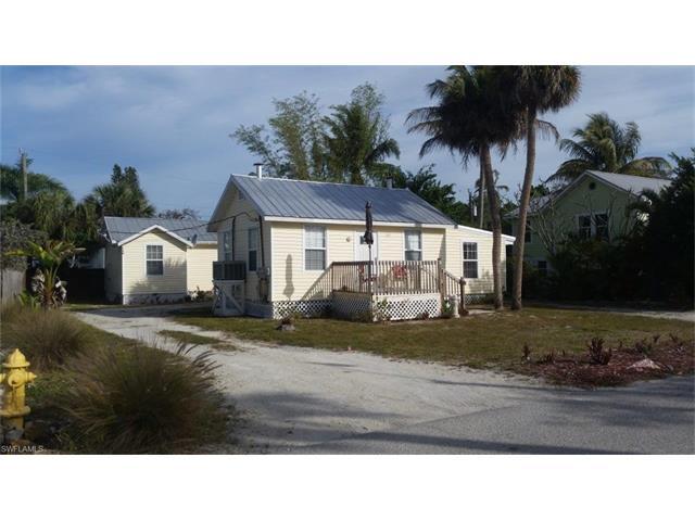 157/159 Hercules Dr, Fort Myers Beach, FL 33931