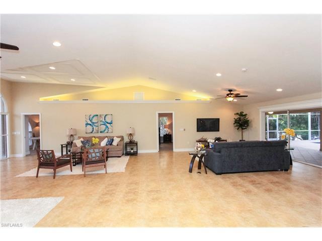 1101 Se 17th St, Cape Coral, FL 33990