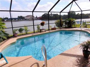 21 Se 15th Ave, Cape Coral, FL 33990