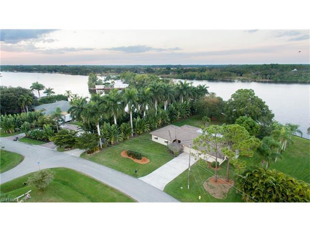 14526 Riverside Dr, Fort Myers, FL 33905