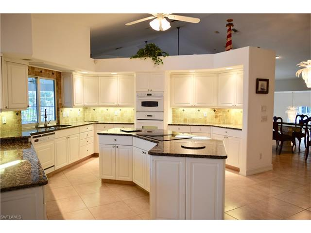 11481 Isle Of Palms Dr, Fort Myers Beach, FL 33931