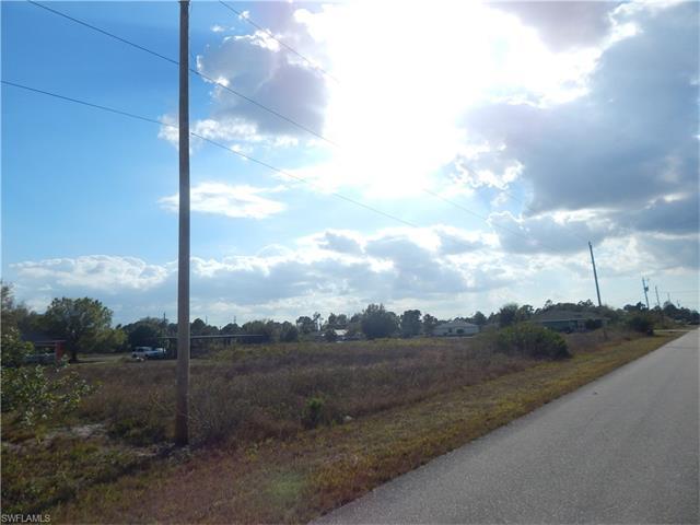 4111 33rd St Sw, Lehigh Acres, FL 33976