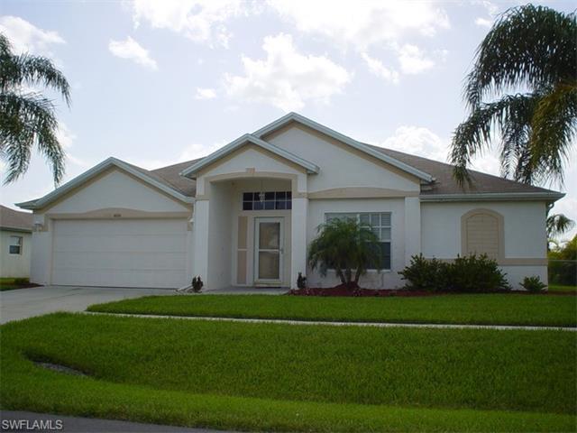 4664 Varsity Cir, Lehigh Acres, FL 33971