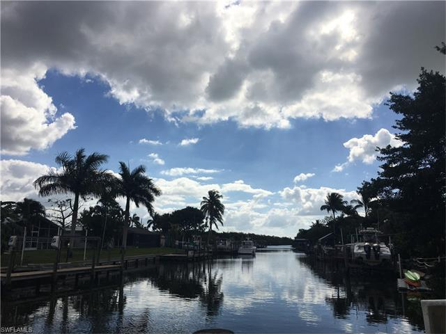 11491 Isle Of Palms Dr, Fort Myers Beach, FL 33931